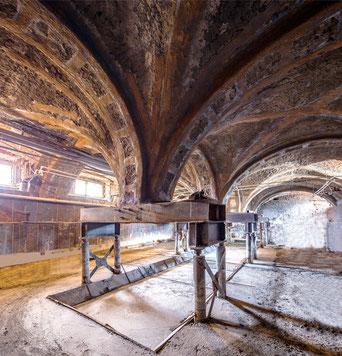 Вывешивание опор в подвальном уровне Александровского дворца на анкерах GEOIZOL-MP