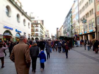 Die Kaufingerstraße in München  (Foto: pixabay.com / moerschy)