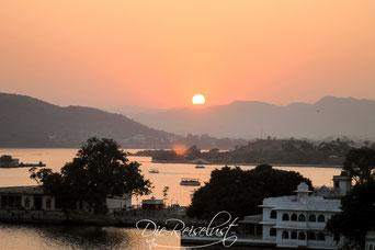 Udaipur, Sonnenuntergang, Ausblick auf den See