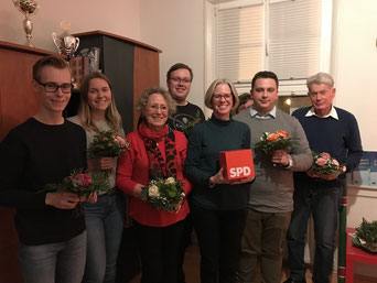 Der neue Vorstand der Boizenburger Sozialdemokraten: Theo Ahrens, Paula Holz, Hannelore Basedow, Marcel Stärker, Maike Pohlmann, Sabine Rottschalk, Kristoph-Felix Piepke, Paul Horst Basedow (v. l.)