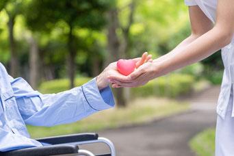 Pflege und Betreuung von alten oder kranken Menschen. Senioren, Pensionisten