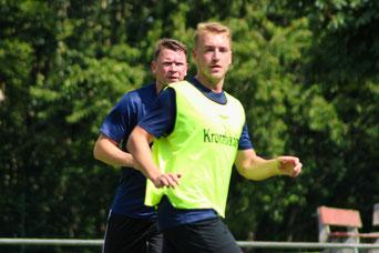 Spielertrainer Moritz im Duell mit Neuzugang Zinndorf