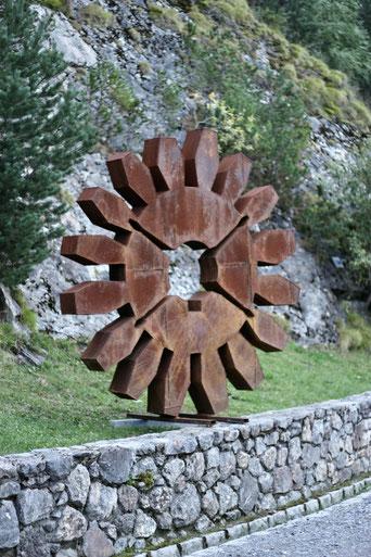monumental metal art sculpture par David Vanorbeek, sculpteur en france, Occitanie