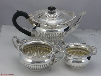 Antikes versilbertes Teeservice aus England