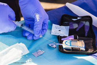 Bei Diabetes in schwerer Form musst Du Dir regelmäßig Insulin spritzen.