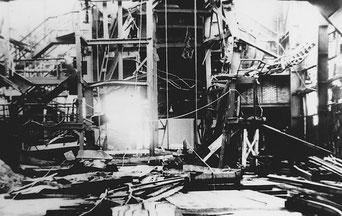 Zerstörte Schachthalle (Bildnachweis: Archiv Peter Voß)