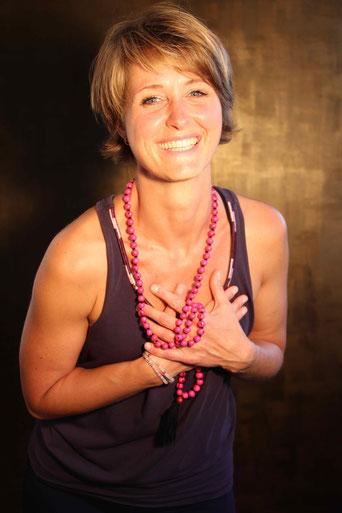 Claudia Martin -  zertifizierte WOYO-Yogalehrerin und Inhaberin von Your Timeout