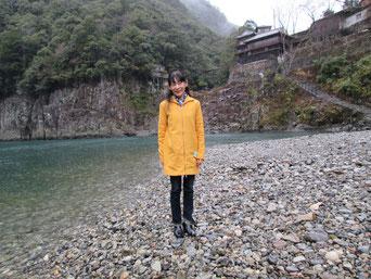 瀞峡、船の折り返し点 川向こう奈良県です