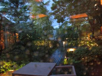 夕立のゆと森倶楽部、中庭
