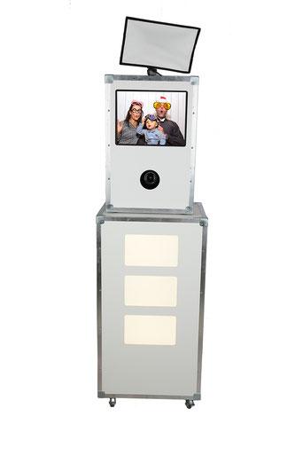 Fotobox Photobox PhotoBooth Verleih mieten Veranstaltungsausstattung Partyausstattung Dahme Mark, Jüterbog, Luckau, Luckenwalde, Herzberg Elster, Falkenberg Elster, Baruth, Jessen, Annaburg, Treuenbrietzen, Lübben
