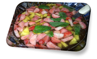 Erdbeer-Ananasbowle