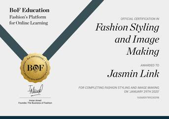 -Zertifikat Typakademie Limburg Farb- und Stilberatung sowie internationales Zertifikat von der Business of Fashion London Fashion Styling und Image, profitieren Sie aus der Beratung von über 900 Personen