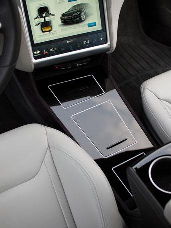Fahrtenbuch Tesla S + MittelKonsole