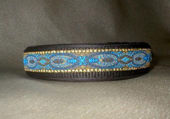 Klickverschluss, Halsband, 2,5cm, Gurtband schwarz, Borte Pfauenfeder gold blau