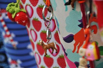 Bild: Pferdanhänger an Stoffschultüte Wolkenpony von AnfängerGlück