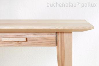Schreibtisch mit Schubkasten
