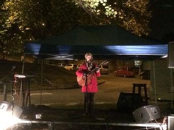 Maria Lumen: Subtil dahingehauchte Melodien zauberten ein Gefühl der Wärme in die eher frische Oktobernacht.