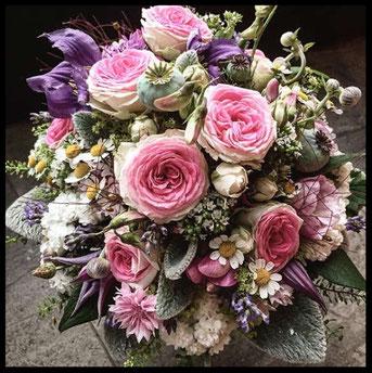 Sommerlicher Brautstrauß in rosa