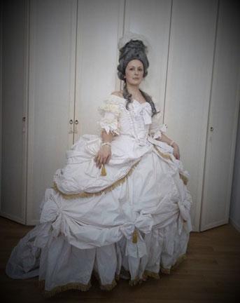 """Robe de cour dal dipinto """"Marie-Antoinette, reine de France"""" di E. Vigée Le Brun, 1779"""