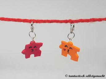 Anhänger-Puzzleteile-mit-küsschen-rot-und-orange