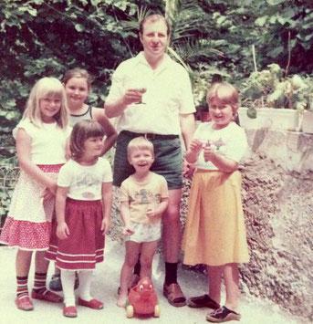Margot, Dagmar, Pia, Albert, Georg und Isabella