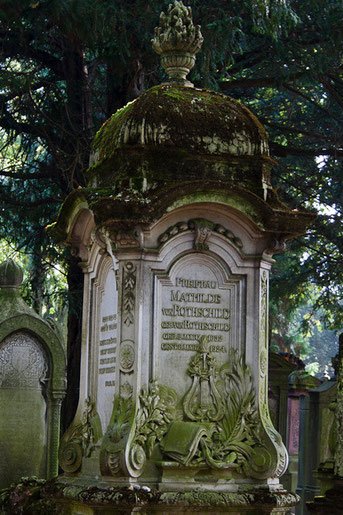 Hauptfriedhof Frankfurt: angrenzender Jüdischer Friedhof