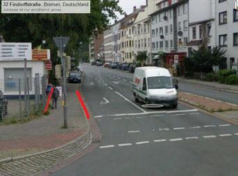 Vorher war der Fußweg über 2 Meter breit.