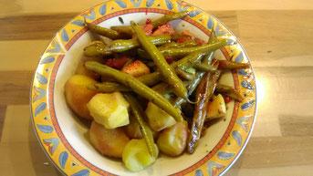 Oder auch Kartoffeln mit Bohnen, Äpfeln, Thymian und Johannisbeeren.