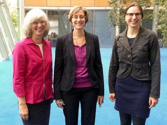 Von links: Frau Schnell-Klöppel, Prof. Dr. Senz und Frau Löhr, die neue Direktorin des Konfuzius-Institutes seit August 2014