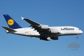 D-AIML Lufthansa Airbus 380
