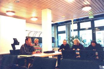 Lehrer diskutieren mit SV-Beratern