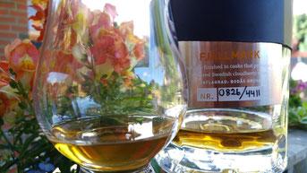 Mackmyra Fjällmark Flasche und Glas