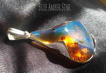 Blue Amber Bead Ring.   蓝珀原石和圆珠