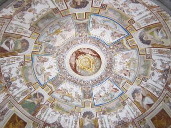 OmoGirando Palazzo Farnese