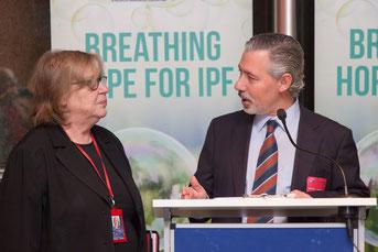 Elena Gentile (MEP) und Präsident Carlos Lines Millán