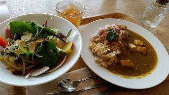 酵素玄米のカレーランチ(六本木のuacafeにて)