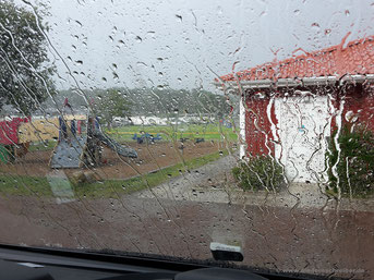 Heftiger Regenschauer auf dem Liseberg-Campingplatz
