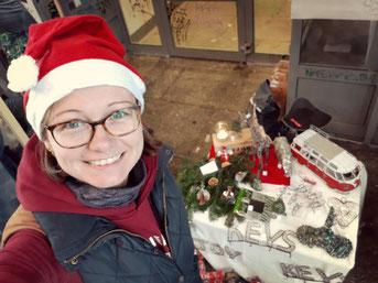Gründerin Kristin mit ihrem Stand auf dem Upcycling Markt Hamburg
