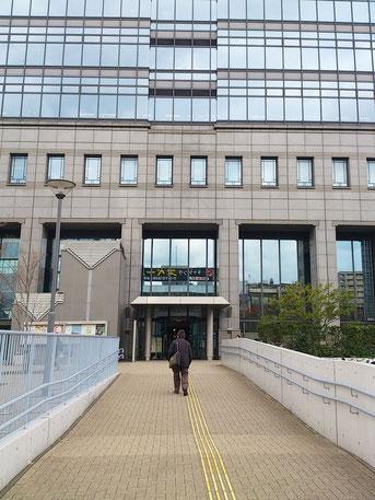 ※堺市役所、正面玄関です♪