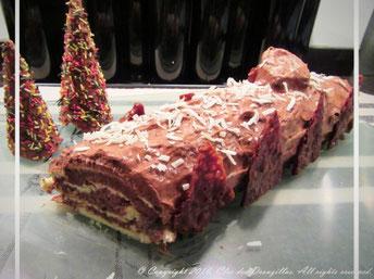 Bûche O! chocolat et myrtilles aux épices et Clos de la Miro
