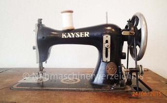 Kayser J, Geradestich-Nähmaschine mit CB-Greifer,  Hersteller: Gebrüder Kayser AG, Kaiserslautern (Bilder: B. Schlappa)