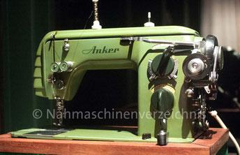 Anker RZ Zickzack mit angebauter Schablonen-Automatik, Flachbett, Hersteller: Anker-Werke Bielefeld (Bilder: K. Winter)