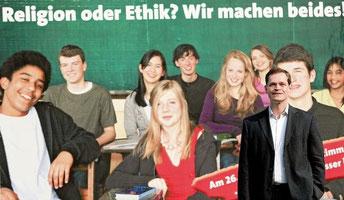 SPD-Vorsitzender Müller vor dem Großplakat