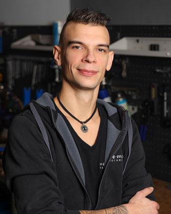 Martin Fitzner, Zweirad-Mechaniker