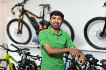 Hossein Sadeqi: Auszubildender zum Zweiradmechatroniker