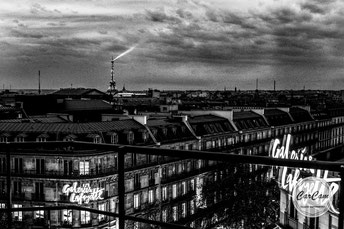 paris, eiffel, tower, light, lumière, hausmann, lafayette, black and white, noir et blanc, art, street photography, CarCam