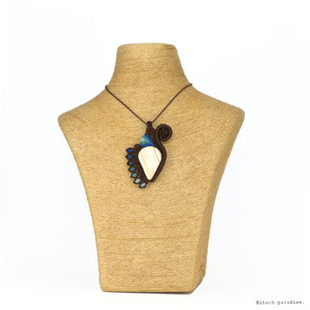 kp kitsch-paradise artisans créateurs création tissage macramé micromacramé couleur nature art pendentif stone