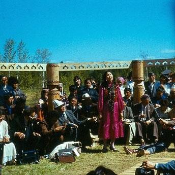 Турсунай Оразбаева - участникам Ойунского чтения. Музей-усадьба Ойунского 1986 г.