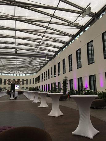Attrium des Mercure Hotels Berlin Moabit, das allein war schon unglaublich beeindruckend.