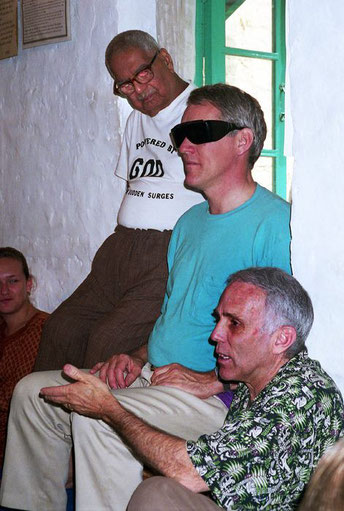 1999 - Mandali Hall, Meherazad, India ( L-R ) Eruch Jessawala, Josh Dreyfuss, & Robert. Courtesy of Anne Giles